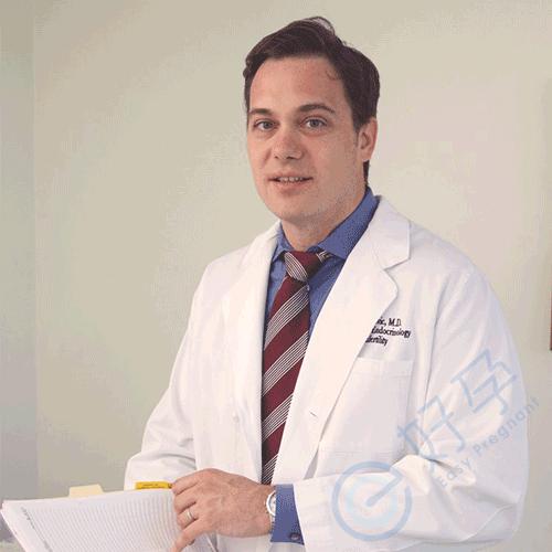 Dr.Vuk Jovanovic