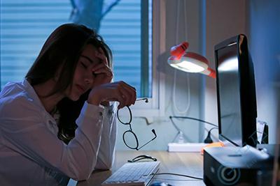 影响夫妻成功受孕的阻碍有哪些|经常熬夜